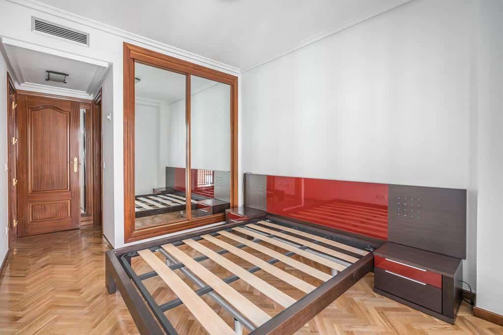 FUTUROCASA-Agencia Inmobiliaria de Madrid-Zona ARGANZUELA-Dormitorio principal - copia