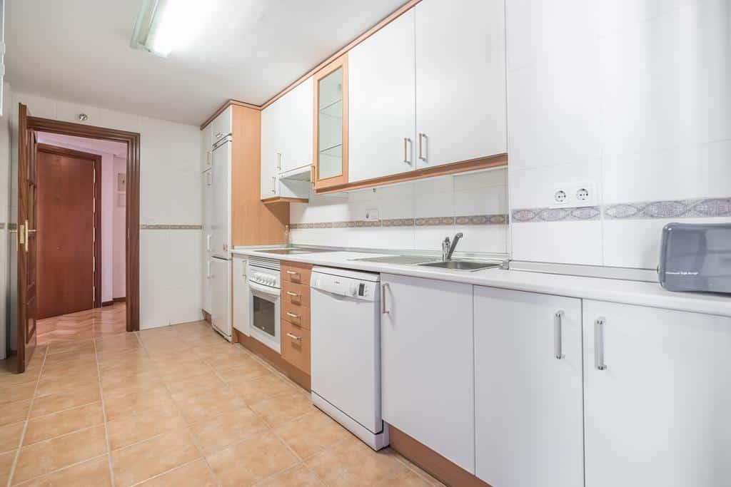 FUTUROCASA-Agencia Inmobiliaria de Madrid-Zona ARGANZUELA-cocina 1 - copia
