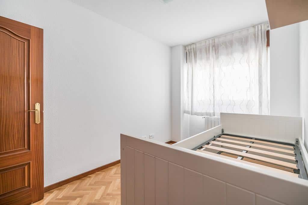 FUTUROCASA-Agencia Inmobiliaria de Madrid-Zona ARGANZUELA-dormitorio secundario 1 - copia