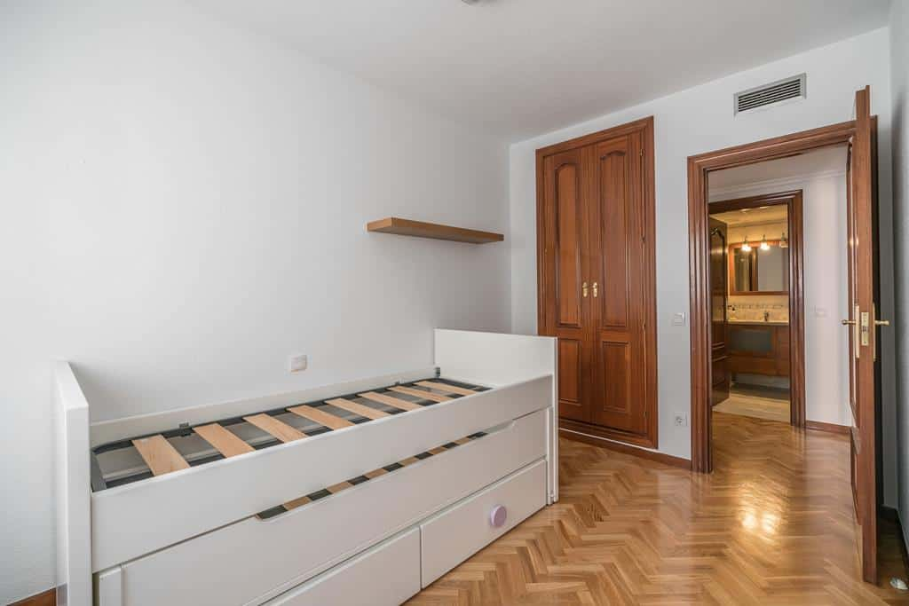 FUTUROCASA-Agencia Inmobiliaria de Madrid-Zona ARGANZUELA-dormitorio secundario 2