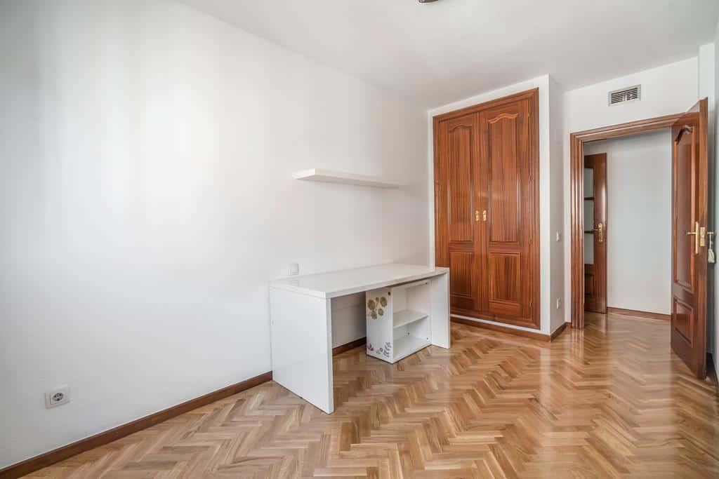 FUTUROCASA-Agencia Inmobiliaria de Madrid-Zona ARGANZUELA-dormitorio tercero - copia