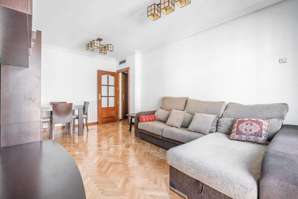 FUTUROCASA-Agencia Inmobiliaria de Madrid-Zona ARGANZUELA-salon 3 - copia