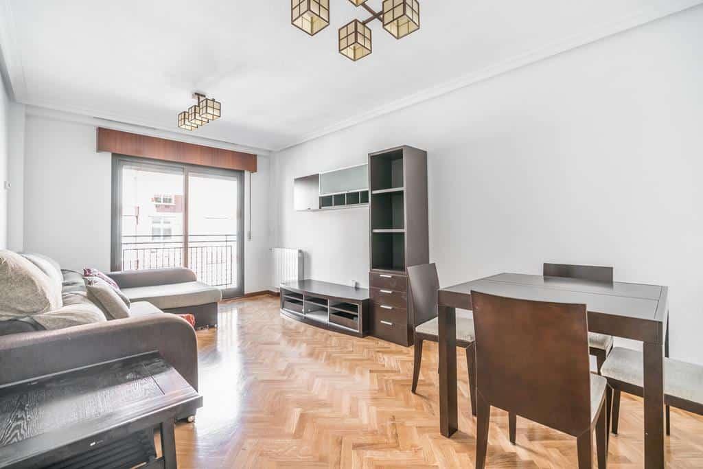 FUTUROCASA-Agencia Inmobiliaria de Madrid-Zona ARGANZUELA-salon - copia