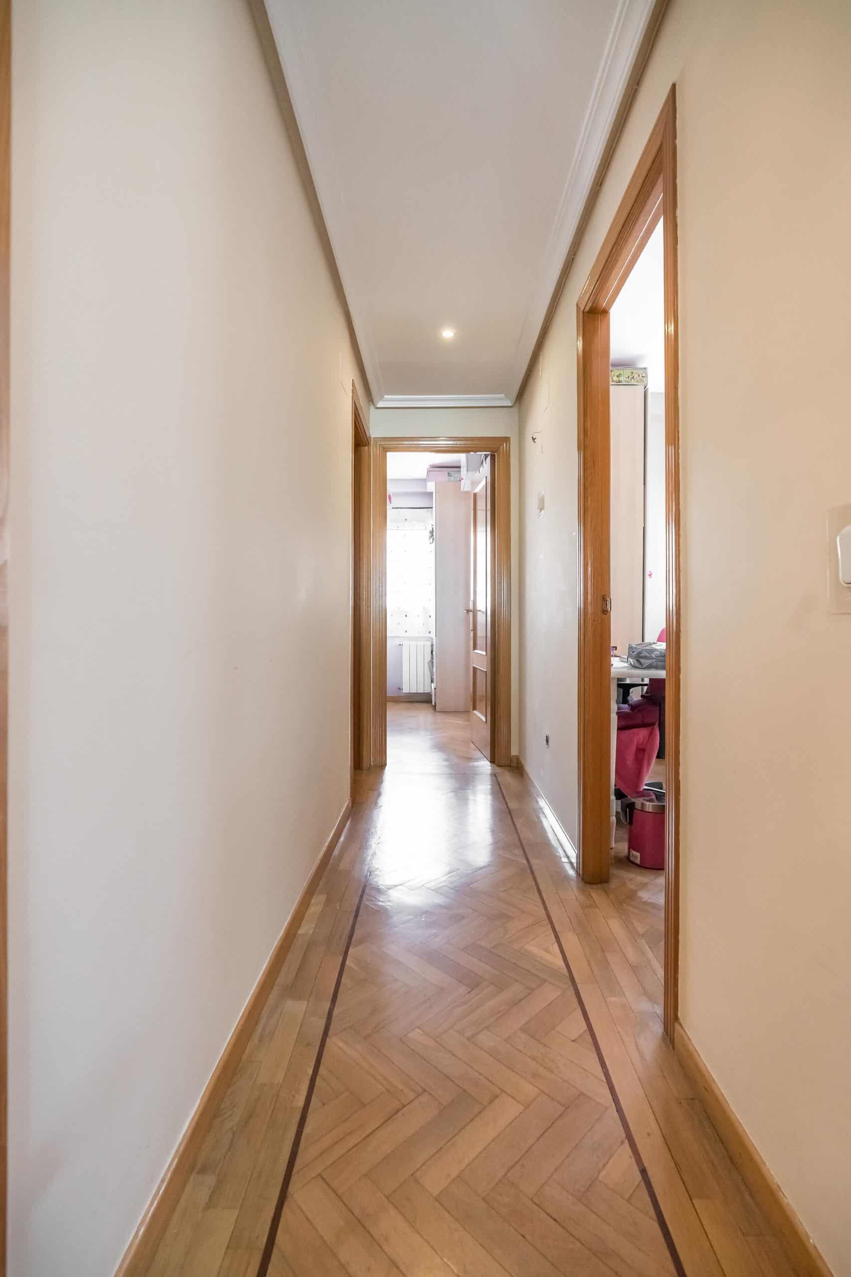 Agencia Inmobiliaria de Madrid-FUTUROCASA-Zona ARGANZUELA-EMBAJADORES-LEGAZPI1 ENTRADA PASILLO(3)