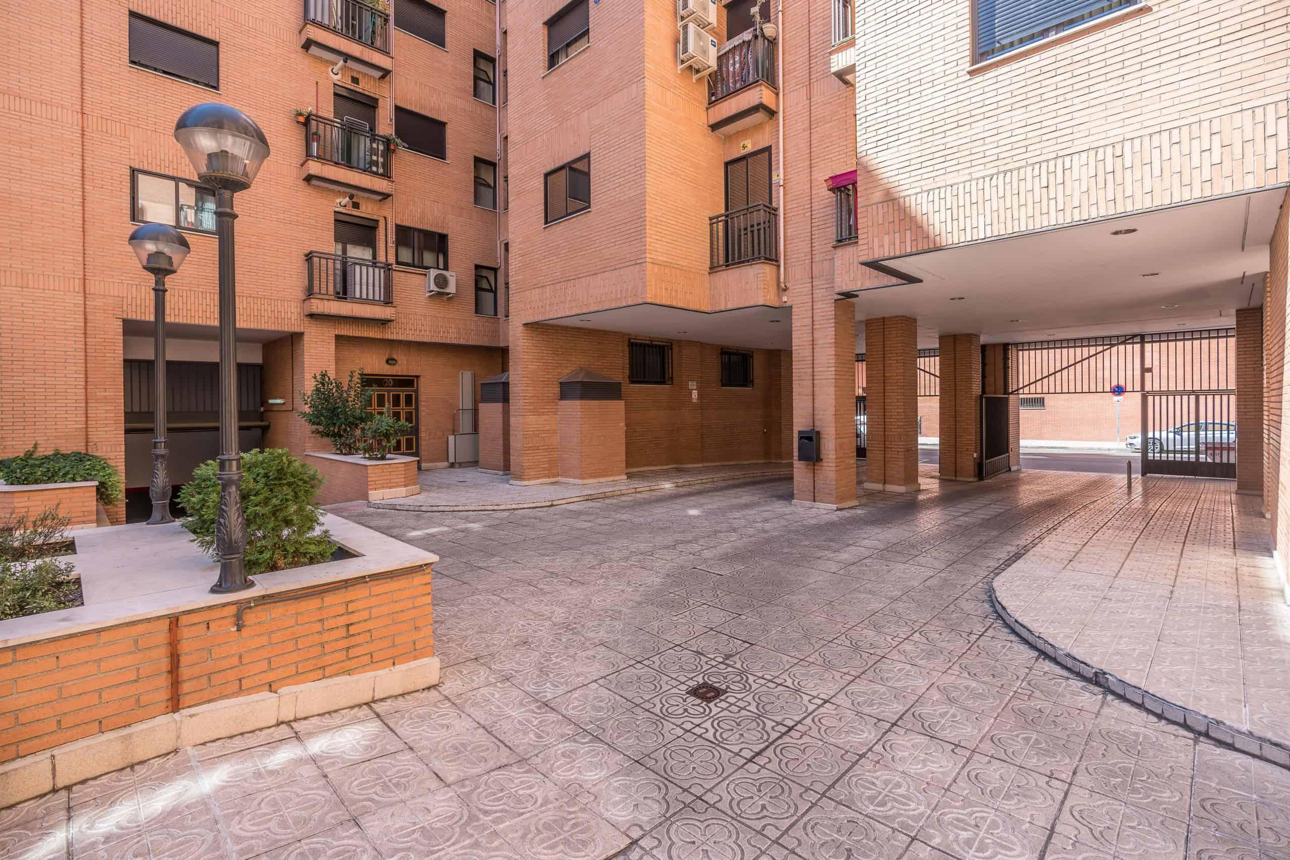 Agencia Inmobiliaria de Madrid-FUTUROCASA-Zona ARGANZUELA-EMBAJADORES-LEGAZPI13 ZONAS COMUNES (2)