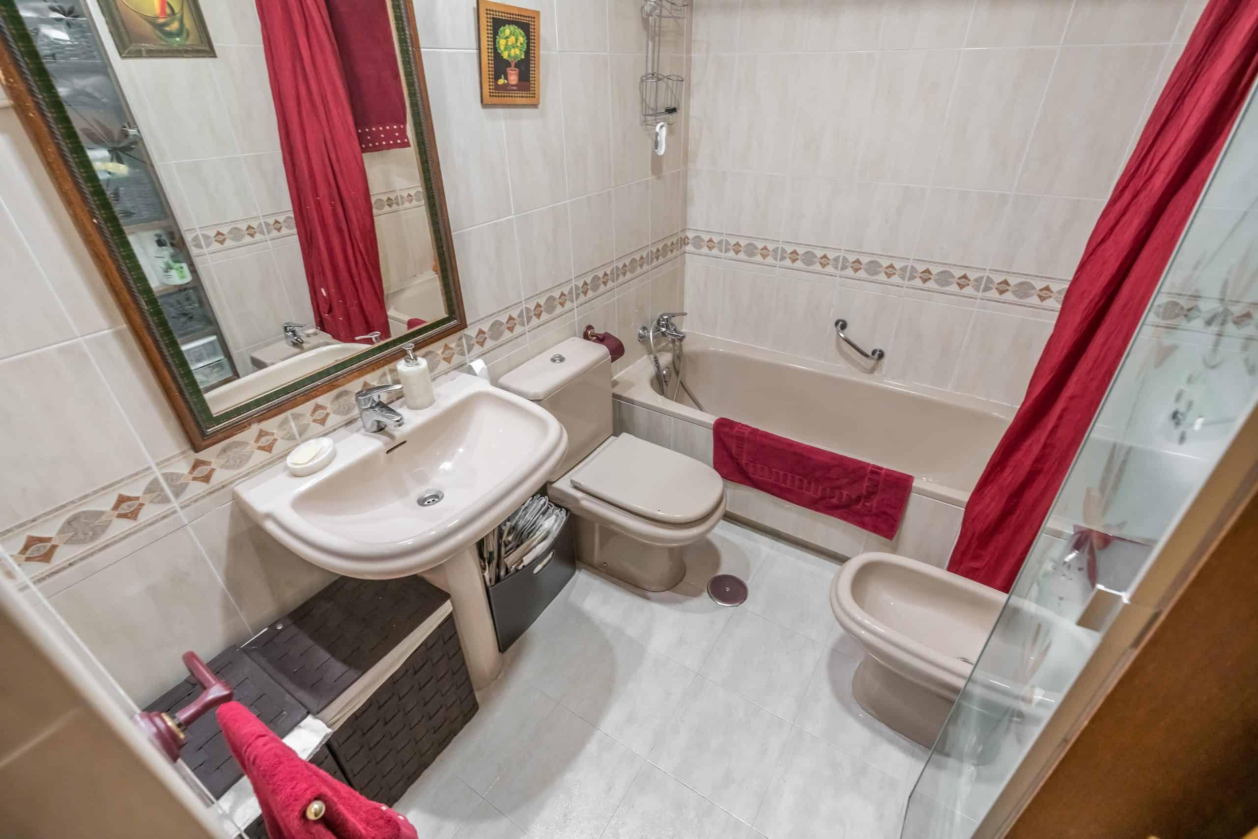 Agencia Inmobiliaria de Madrid-FUTUROCASA-Zona ARGANZUELA-EMBAJADORES-LEGAZPI3 BAÑO2 (2)