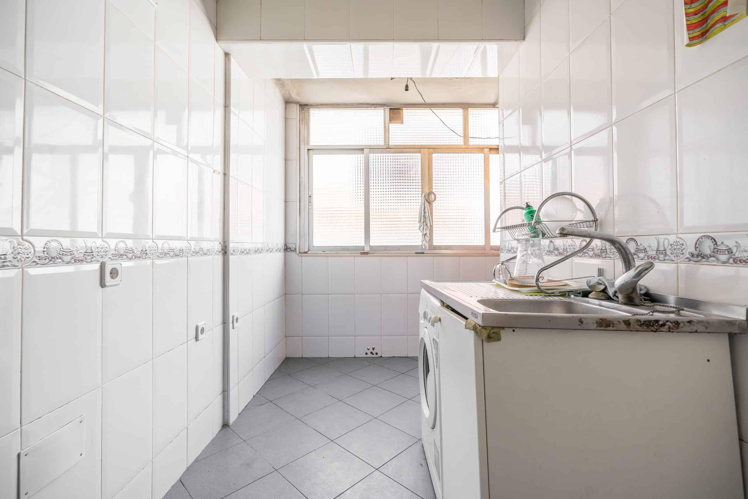 Agencia Inmobiliaria de Madrid-FUTUROCASA-calle Alcala- cocina 1
