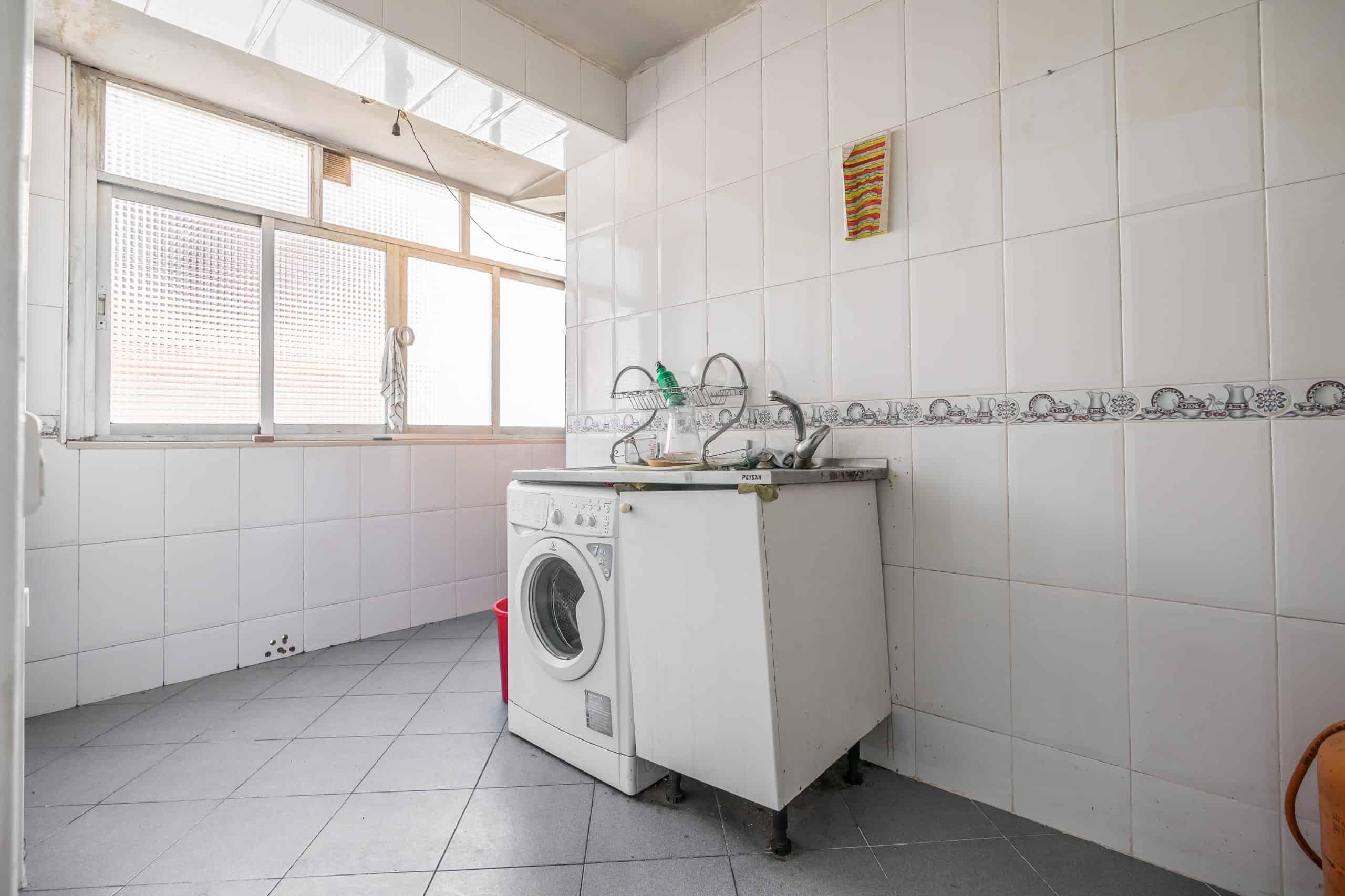 Agencia Inmobiliaria de Madrid-FUTUROCASA-calle Alcala- cocina