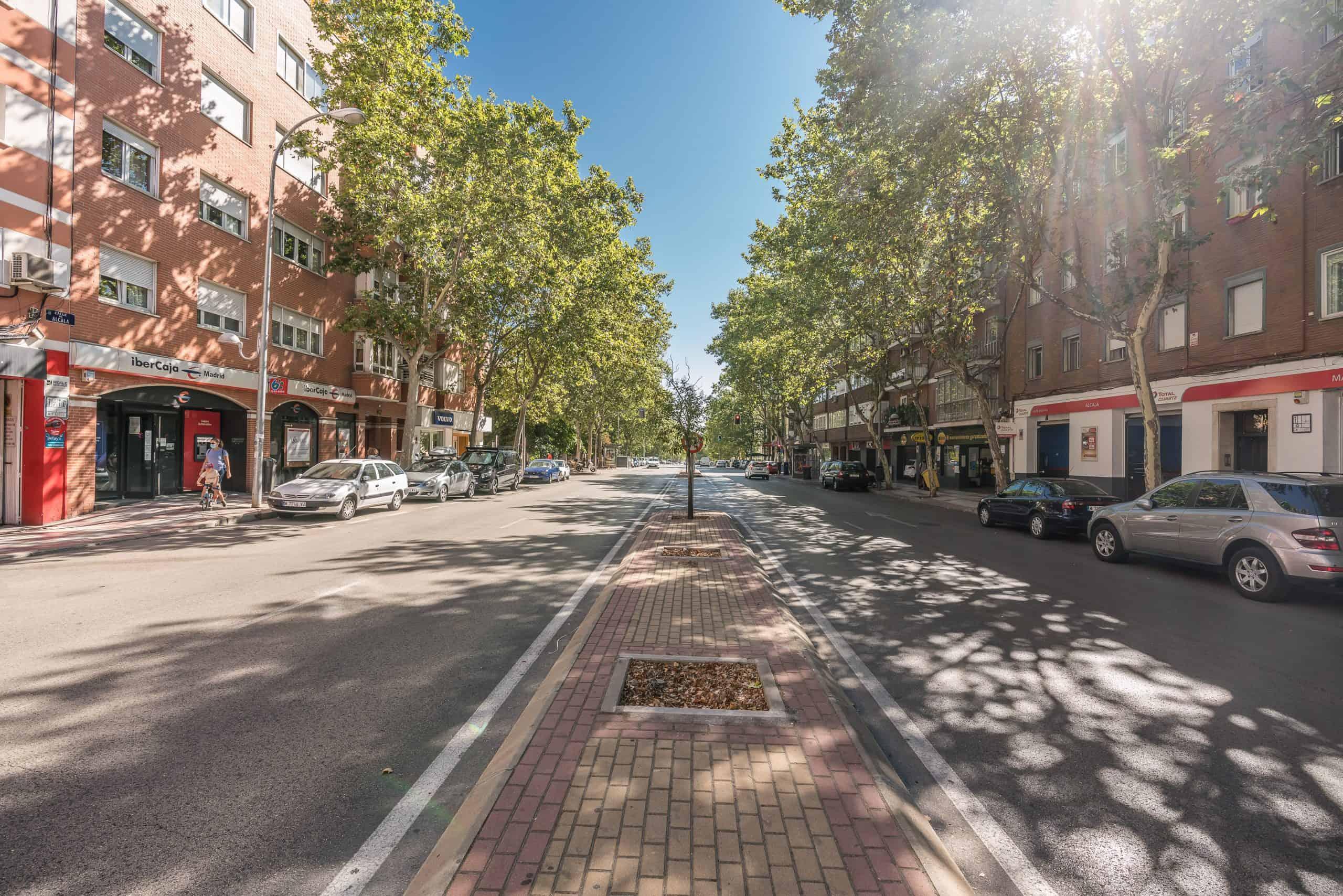 Agencia Inmobiliaria de Madrid-FUTUROCASA-calle Alcala- exteriores (2)