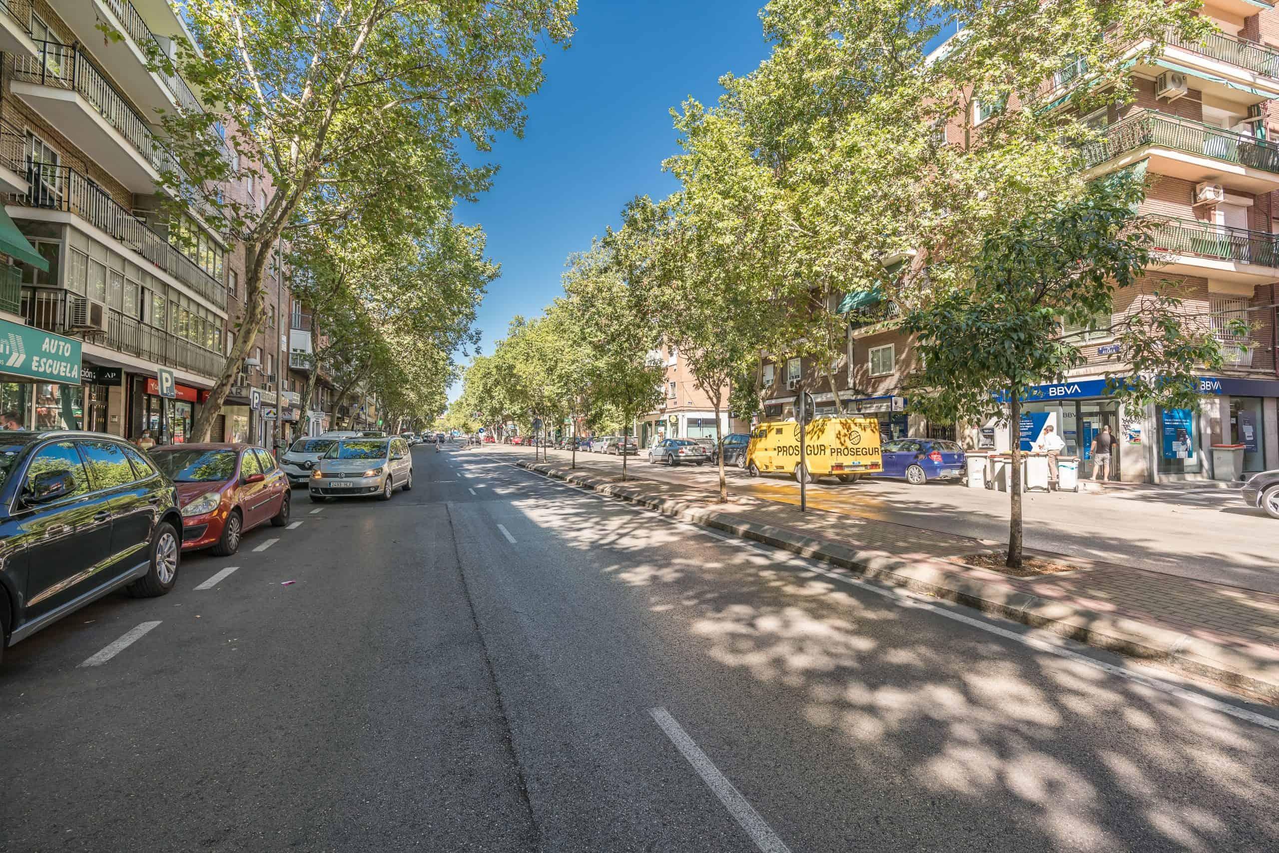 Agencia Inmobiliaria de Madrid-FUTUROCASA-calle Alcala- exteriores