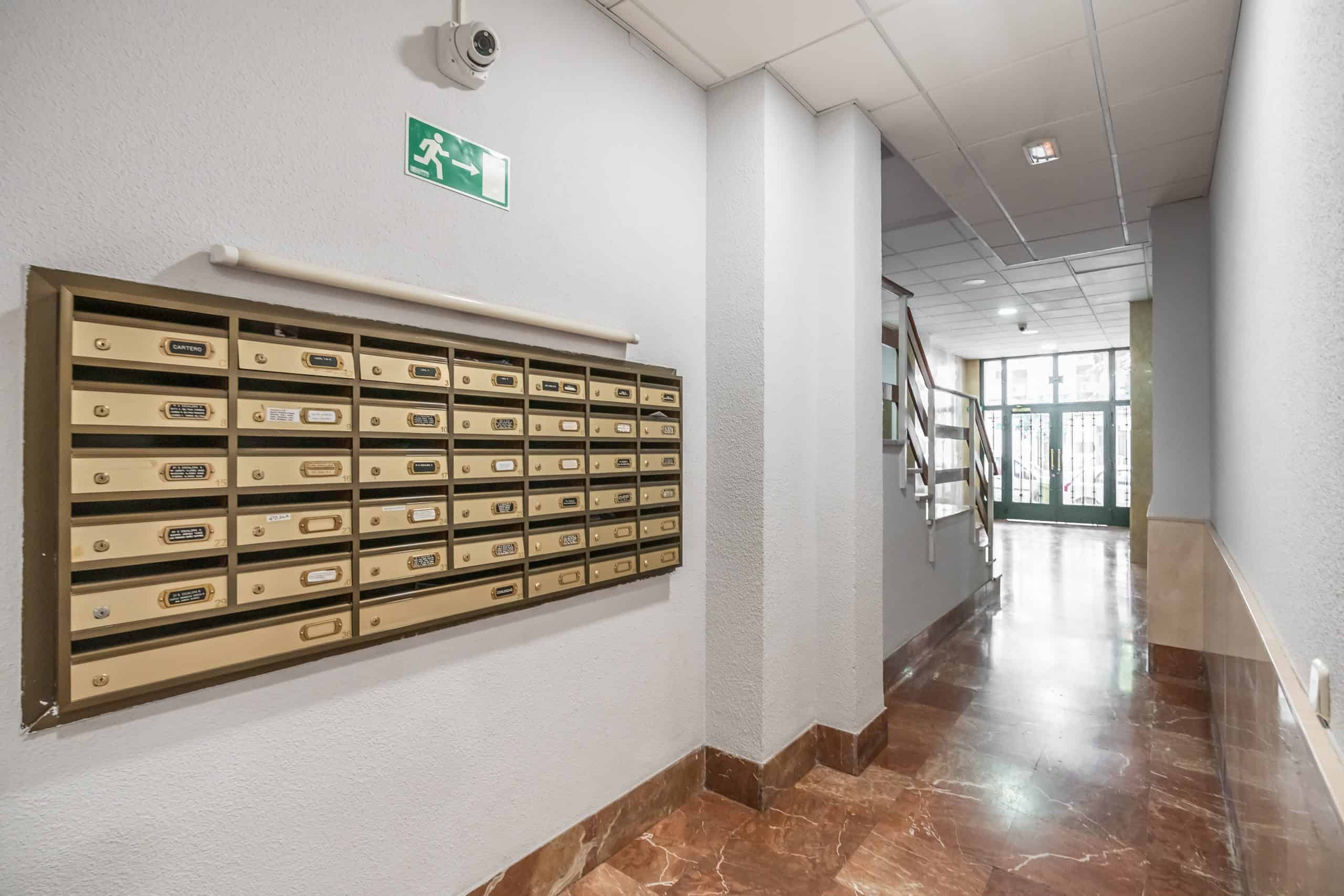 Agencia Inmobiliaria de Madrid-FUTUROCASA-calle Alcala- portal