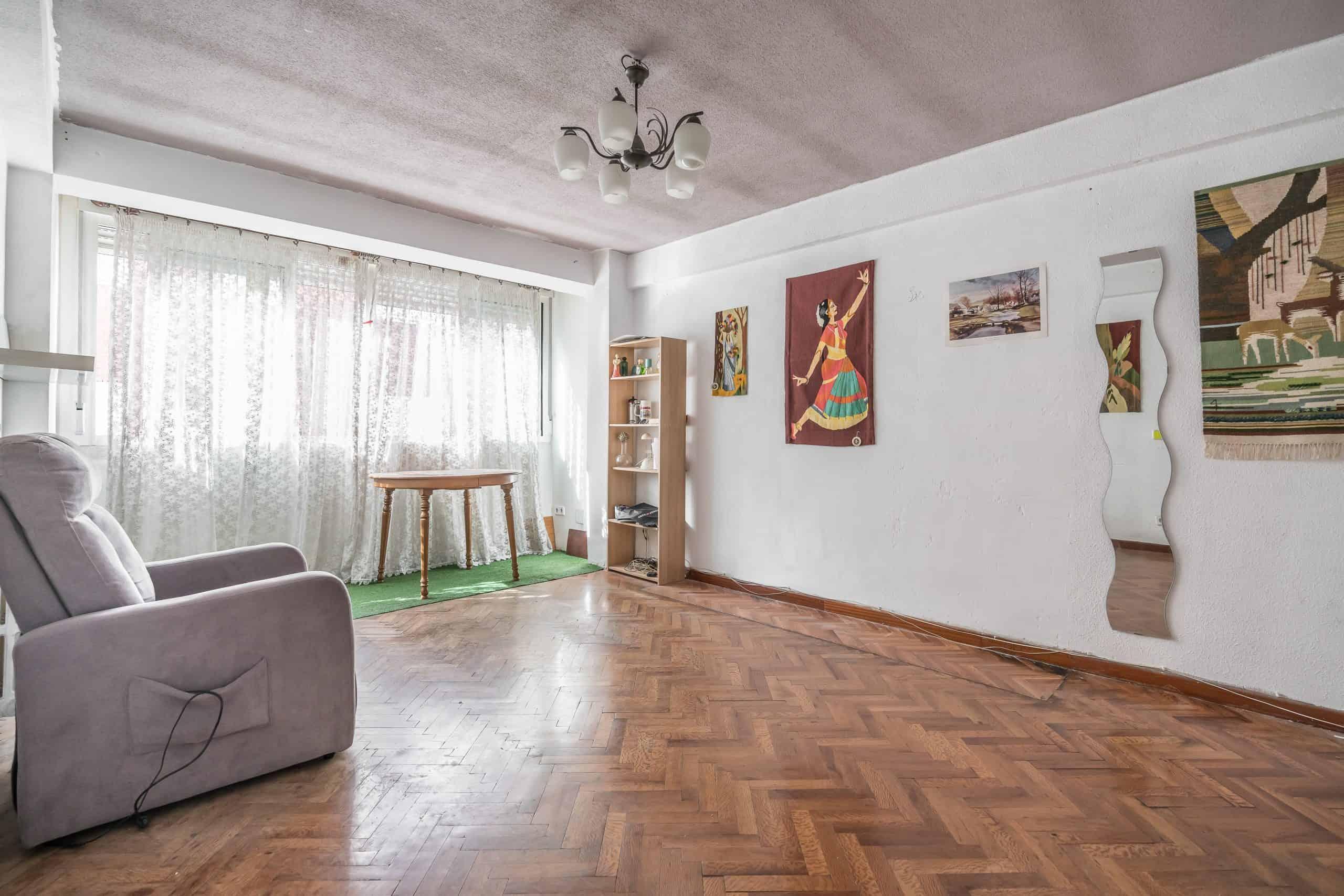 Agencia Inmobiliaria de Madrid-FUTUROCASA-calle Alcala- salon 1