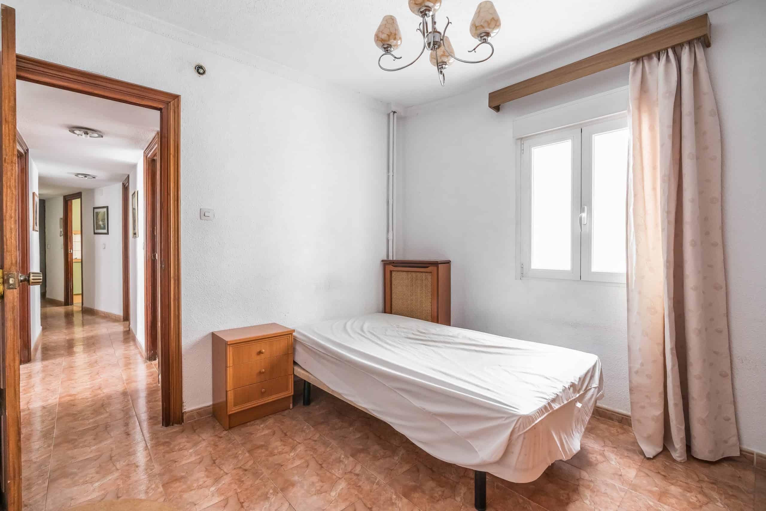Agencia Inmobiliaria de Madrid-FUTUROCASA-calle Embajadores-Chopera-Arganzuela2 DORMITORIO1 (2)