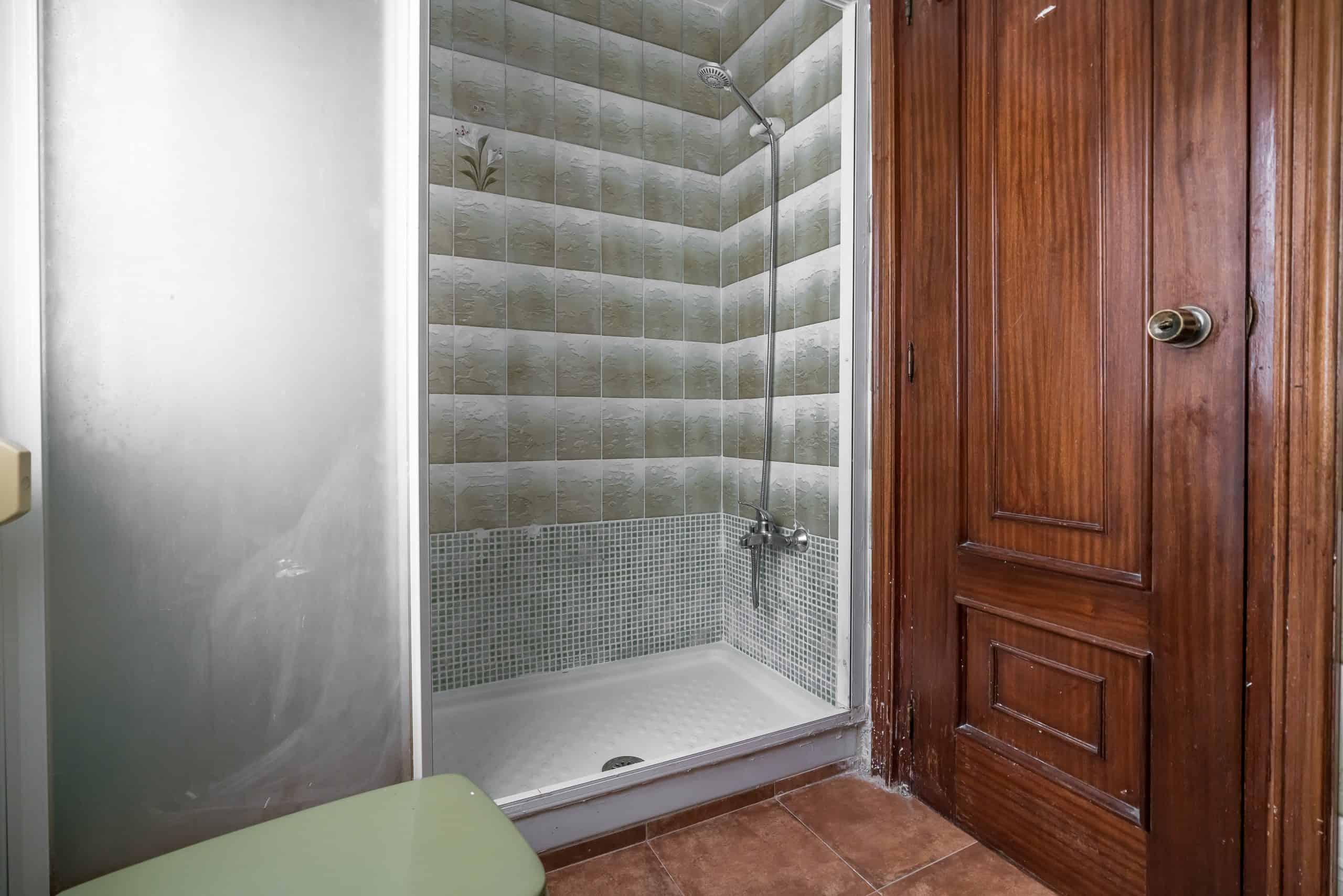 Agencia Inmobiliaria de Madrid-FUTUROCASA-calle Embajadores-Chopera-Arganzuela3 BAÑO (3)