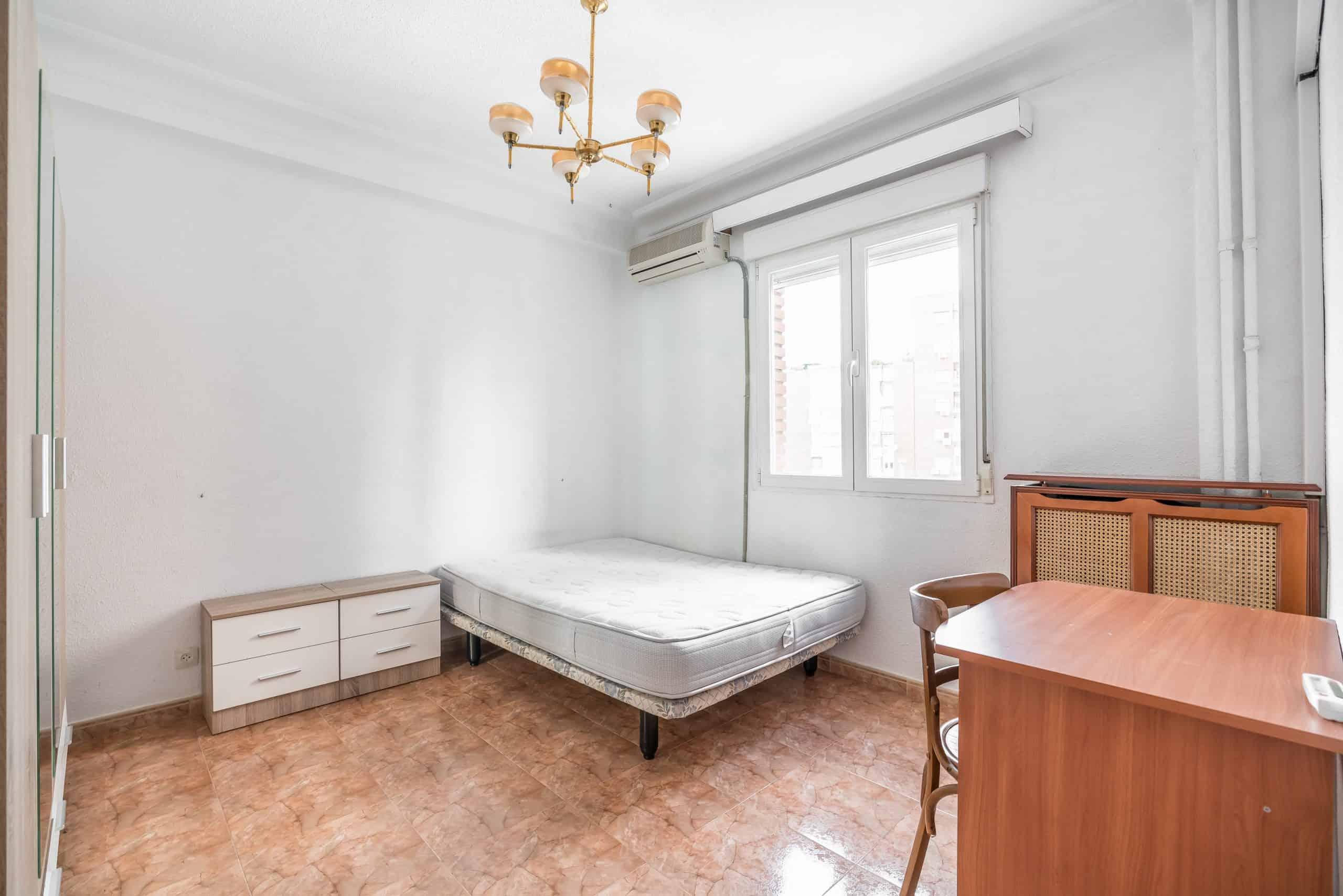 Agencia Inmobiliaria de Madrid-FUTUROCASA-calle Embajadores-Chopera-Arganzuela4 DORMITORIO2 (1)