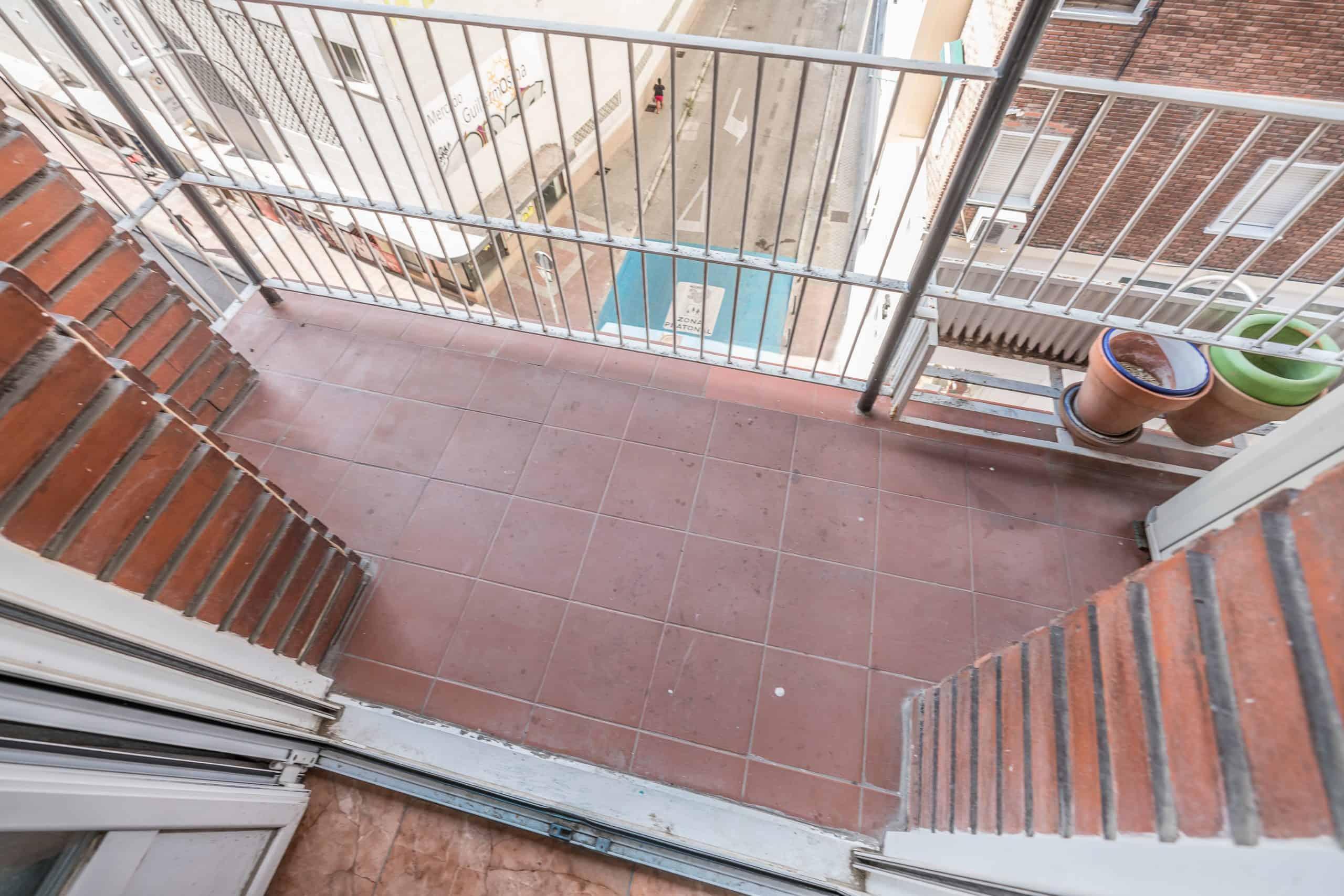 Agencia Inmobiliaria de Madrid-FUTUROCASA-calle Embajadores-Chopera-Arganzuela7 BALCON Y VISTAS (1)