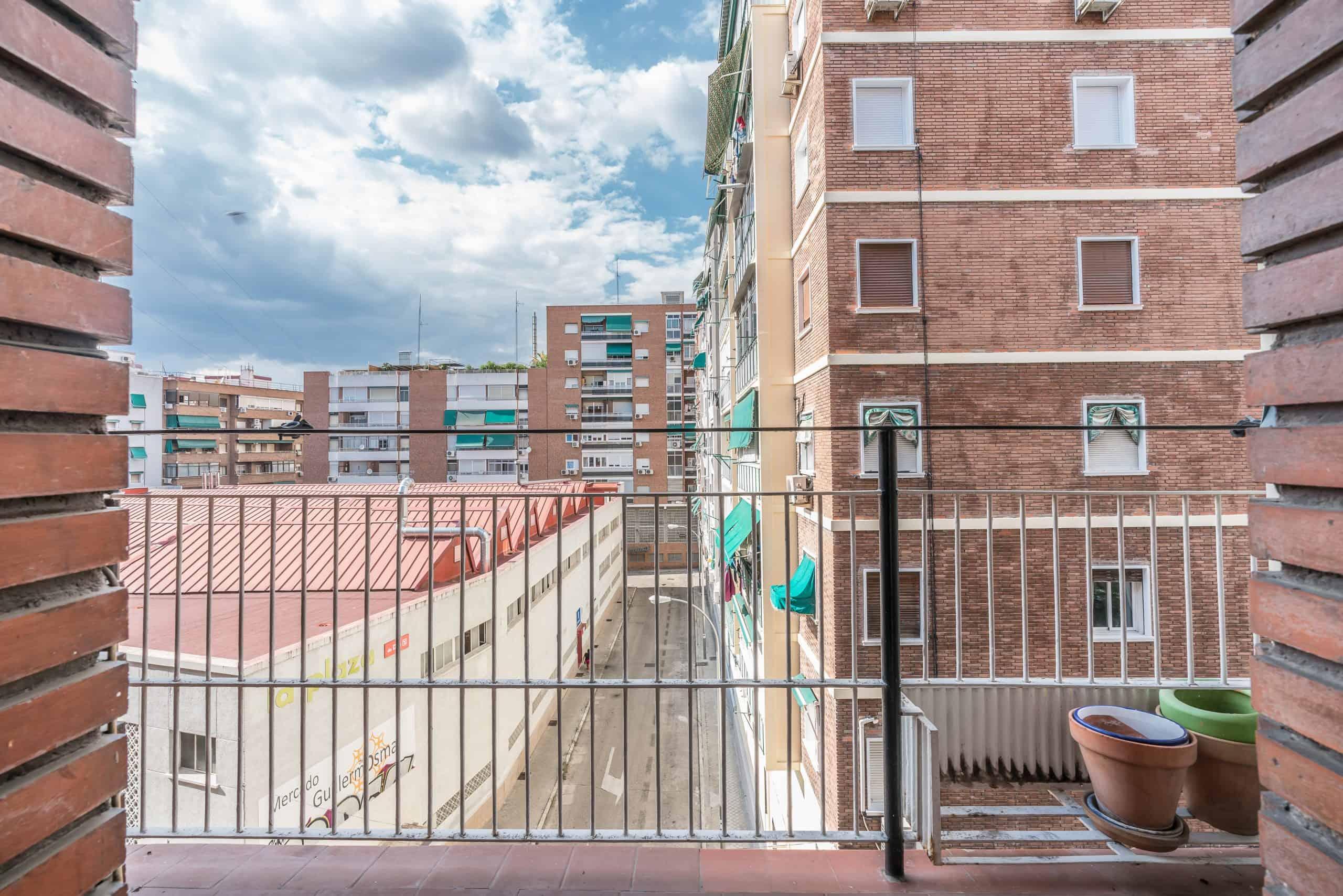 Agencia Inmobiliaria de Madrid-FUTUROCASA-calle Embajadores-Chopera-Arganzuela7 BALCON Y VISTAS (2)