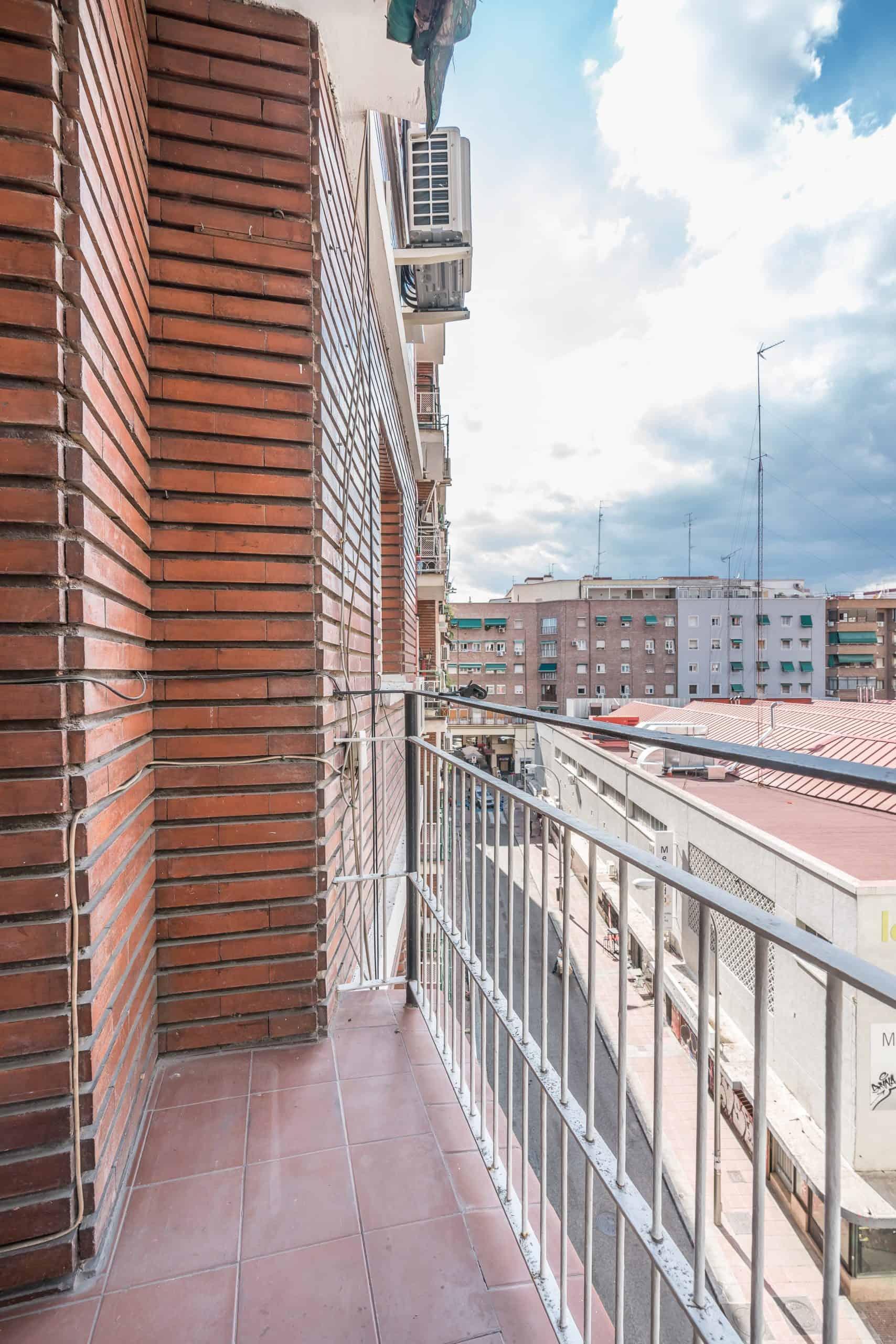 Agencia Inmobiliaria de Madrid-FUTUROCASA-calle Embajadores-Chopera-Arganzuela7 BALCON Y VISTAS (3)