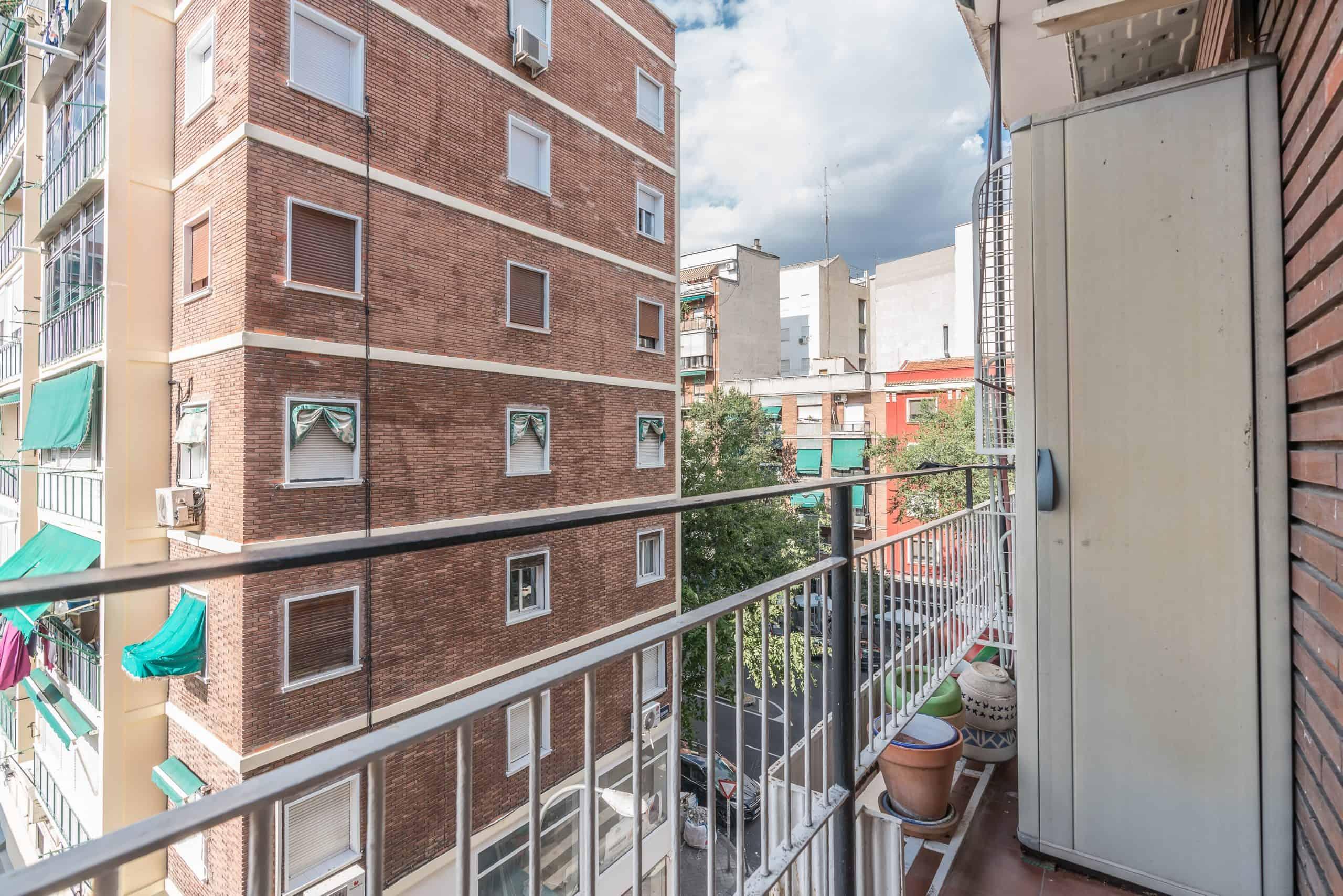 Agencia Inmobiliaria de Madrid-FUTUROCASA-calle Embajadores-Chopera-Arganzuela7 BALCON Y VISTAS (4)