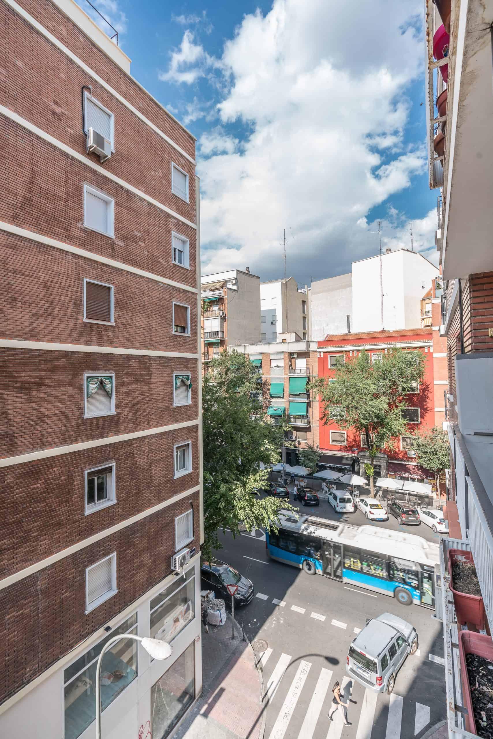Agencia Inmobiliaria de Madrid-FUTUROCASA-calle Embajadores-Chopera-Arganzuela7 BALCON Y VISTAS (6)