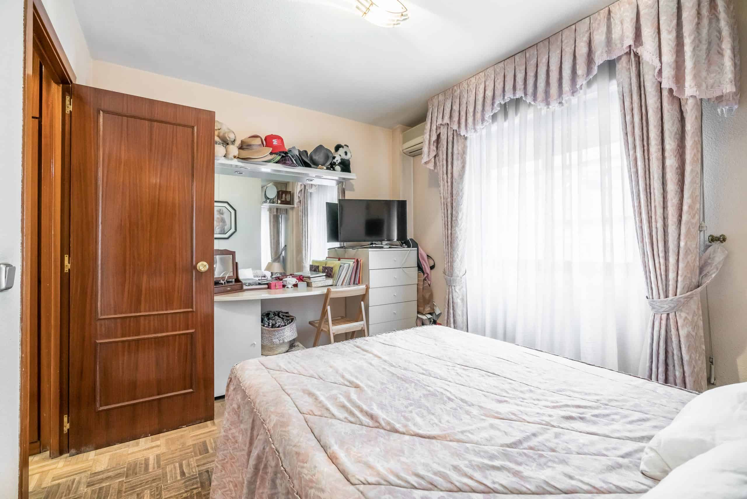 Agencia Inmobiliaria de Madrid-FUTUROCASA-Calle Unanimidad DORMITORIO1 (4)