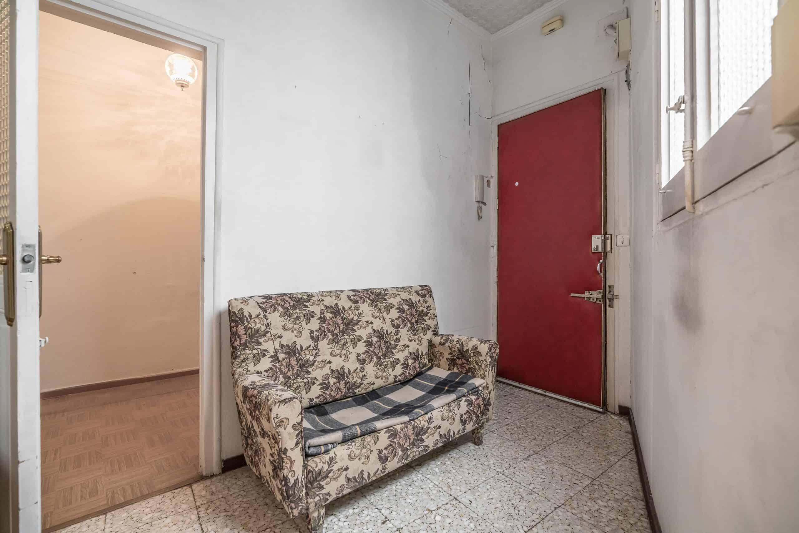 Agencia Inmobiliaria de Madrid-FUTUROCASA-Zona ARGANZUELA-EMBAJADORES-LEGAZPI -plaza General Vara del Rey- salon (3)