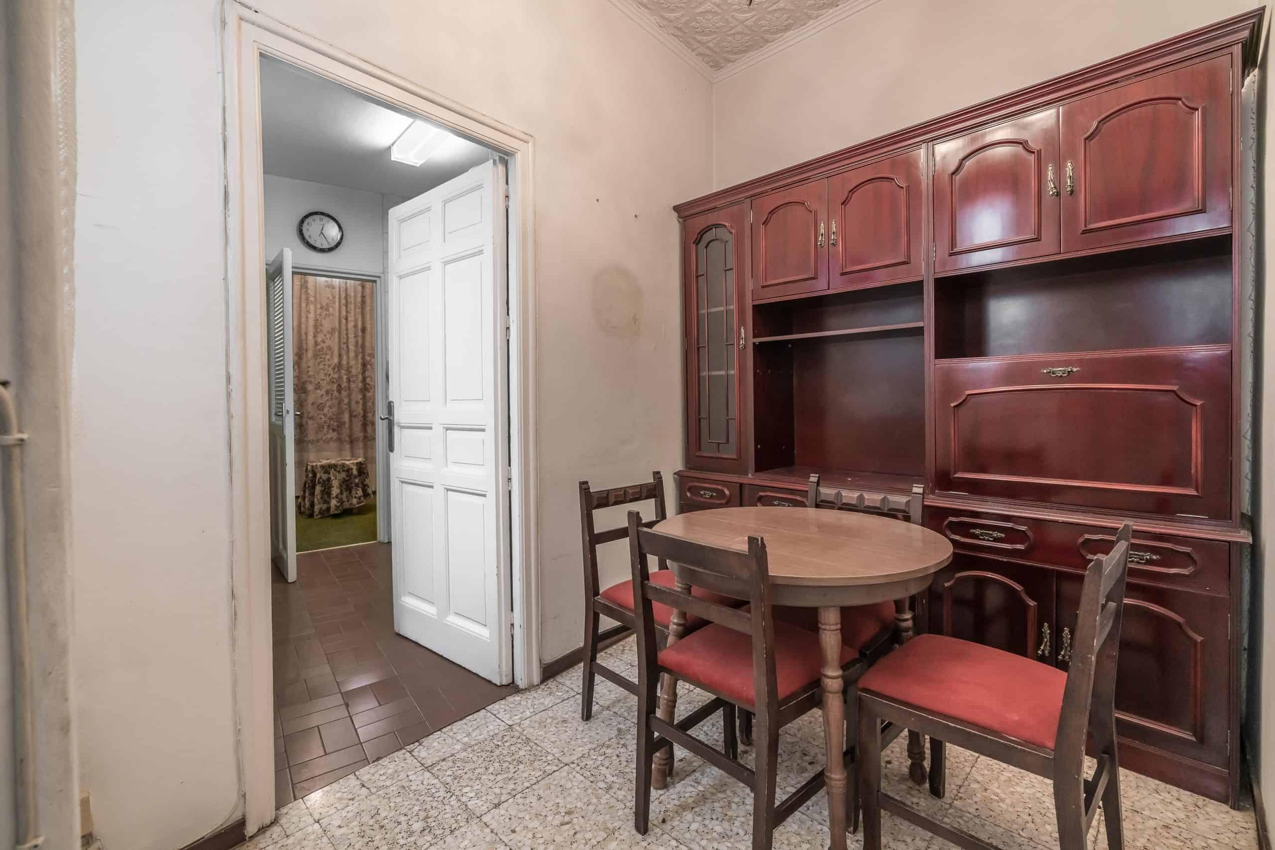 Agencia Inmobiliaria de Madrid-FUTUROCASA-Zona ARGANZUELA-EMBAJADORES-LEGAZPI -plaza General Vara del Rey- salon (4)