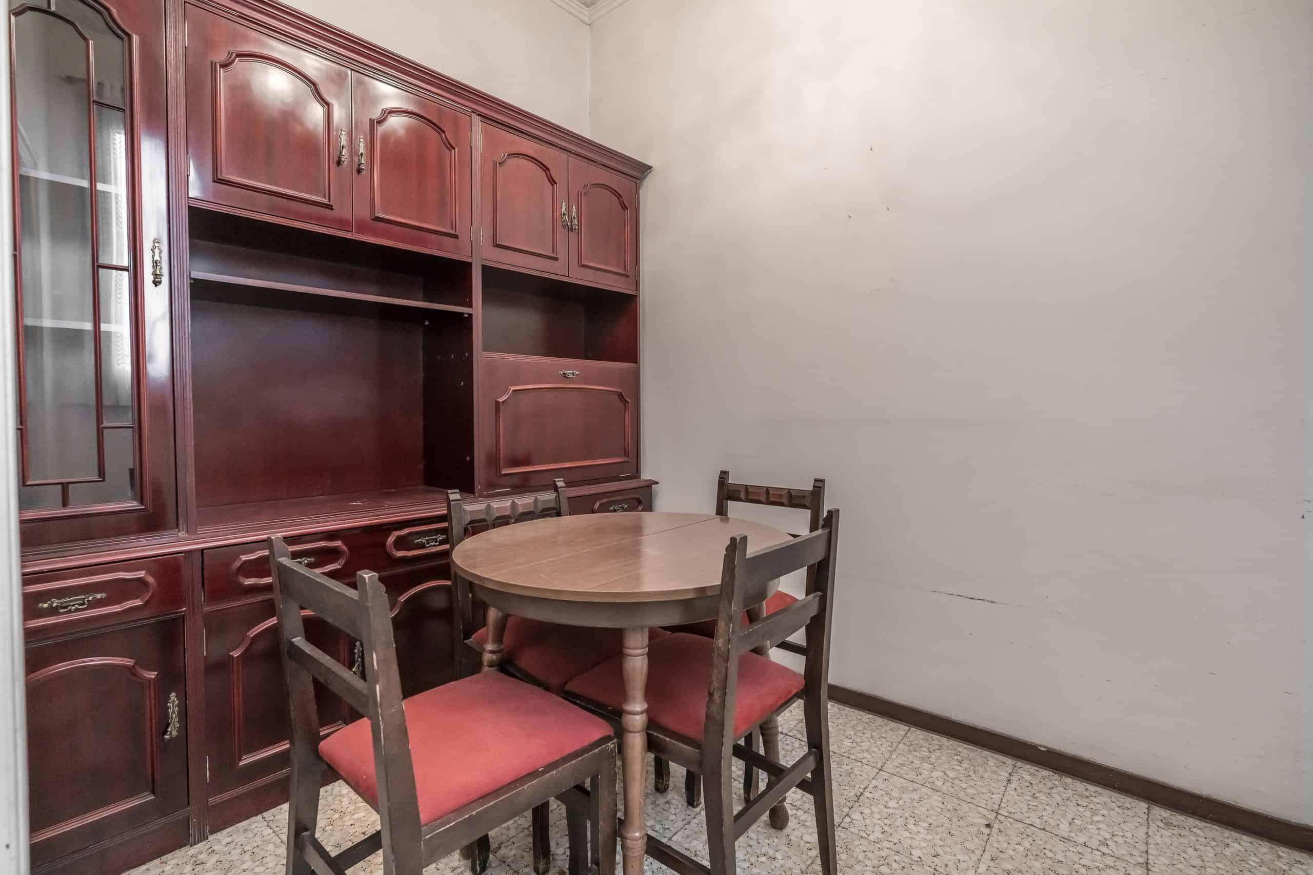 Agencia Inmobiliaria de Madrid-FUTUROCASA-Zona ARGANZUELA-EMBAJADORES-LEGAZPI -plaza General Vara del Rey- salon (5)
