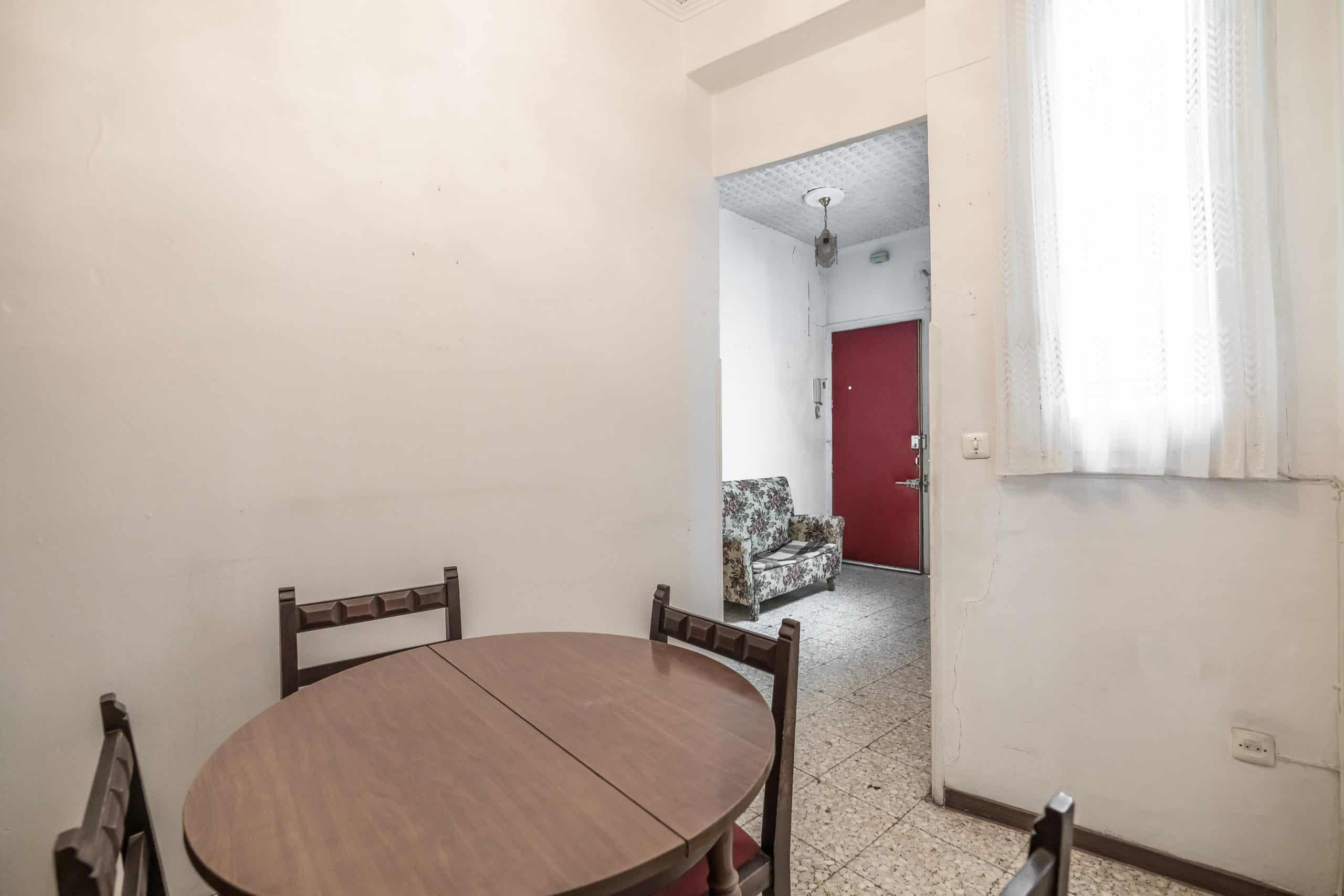 Agencia Inmobiliaria de Madrid-FUTUROCASA-Zona ARGANZUELA-EMBAJADORES-LEGAZPI -plaza General Vara del Rey- salon (6)