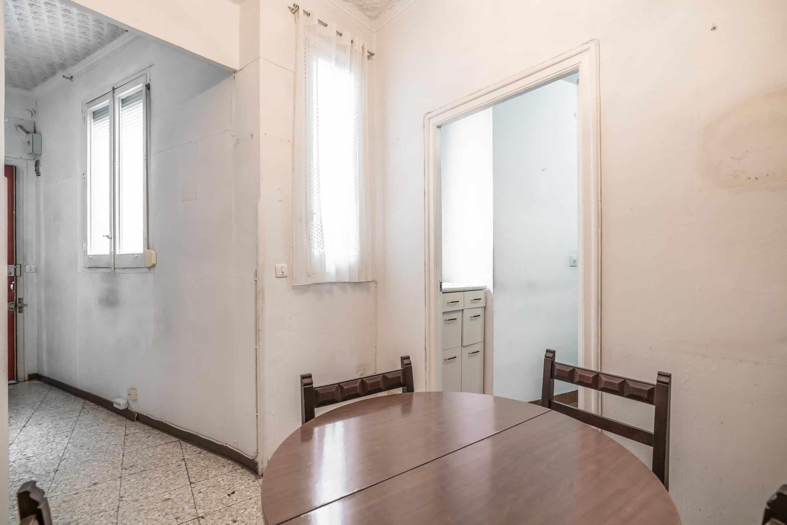 Agencia Inmobiliaria de Madrid-FUTUROCASA-Zona ARGANZUELA-EMBAJADORES-LEGAZPI -plaza General Vara del Rey- salon (7)