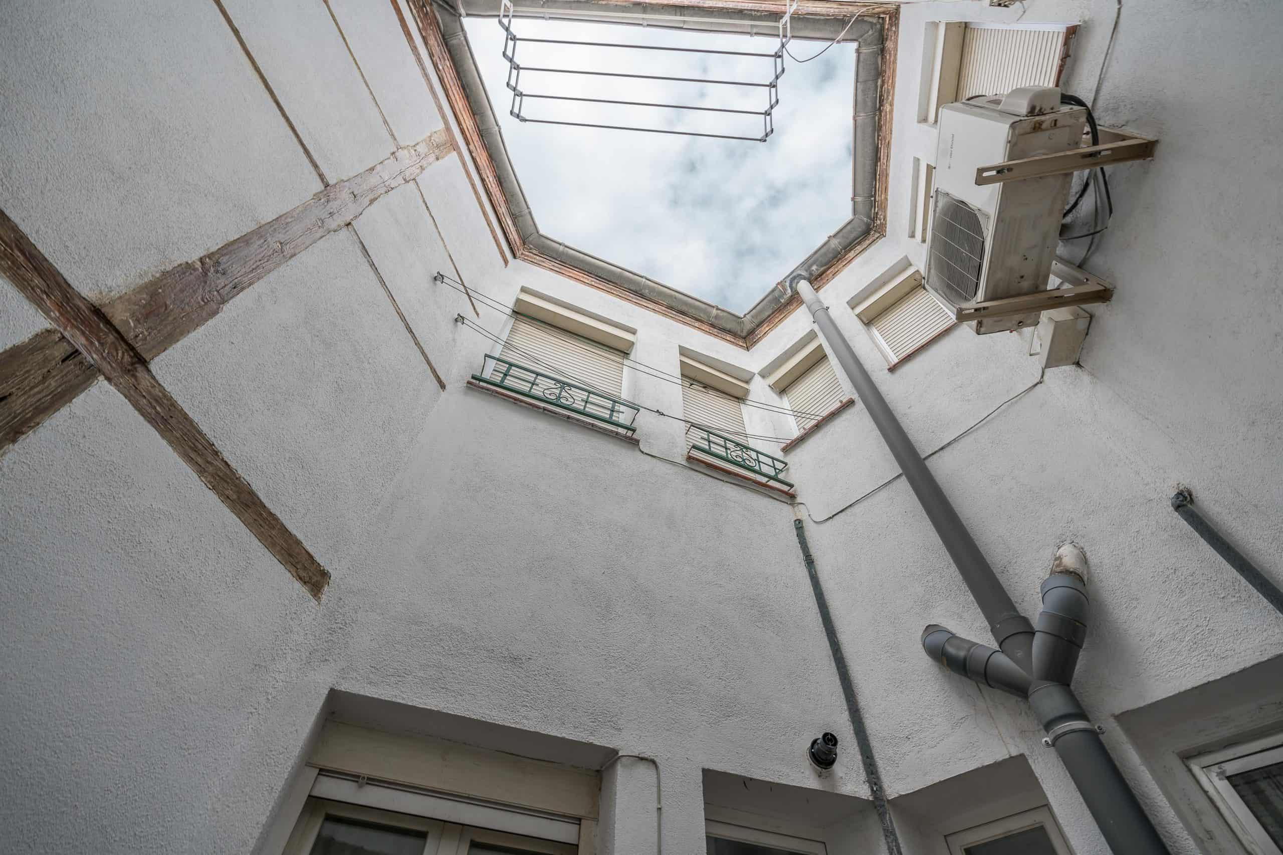 Agencia Inmobiliaria de Madrid-FUTUROCASA-Zona ARGANZUELA-EMBAJADORES-LEGAZPI -plaza General Vara del Rey- vistas